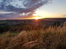 Ηλιοβασίλεμα Hill κορμών στοκ φωτογραφία