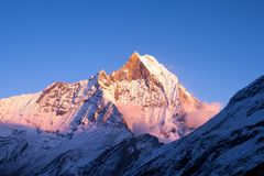 Ηλιοβασίλεμα Machapuchare στοκ φωτογραφίες με δικαίωμα ελεύθερης χρήσης