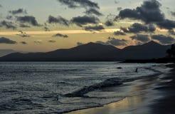 Ηλιοβασίλεμα Puerto del Carmen στο Κανάριο νησί Lanzarote στην Ισπανία Στοκ Φωτογραφία