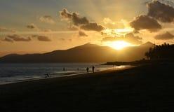 Ηλιοβασίλεμα Puerto del Carmen στο Κανάριο νησί Lanzarote στην Ισπανία Στοκ Εικόνα