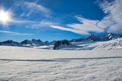 Ηλιοφάνεια και σύννεφα πέρα από τον παγετώνα του Franz Josef στοκ εικόνες με δικαίωμα ελεύθερης χρήσης