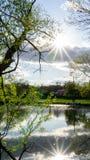 Ηλιοφάνεια στη λίμνη στοκ εικόνες