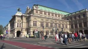 Ηλιόλουστη ημέρα Απριλίου μπροστά από την όπερα της Βιέννης Αυστρία Βιέννη φιλμ μικρού μήκους