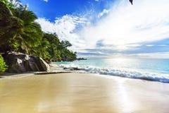 Ηλιόλουστη ημέρα στην παραλία anse Georgette, praslin Σεϋχέλλες 7 παραδείσου Στοκ Φωτογραφία