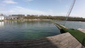 Ηλιόλουστη πολυάσχολη λίμνη στη Γερμανία κατά τη διάρκεια του χρόνου άνοιξη [Tuttenbrocksee] [χρονικό σφάλμα] φιλμ μικρού μήκους