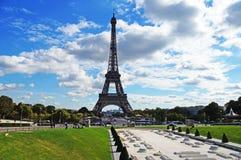 Ηλιόλουστο Παρίσι Στοκ εικόνες με δικαίωμα ελεύθερης χρήσης