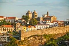 Ηλιόλουστο πρωί με μια όμορφη άποψη του Πόρτο Πορτογαλία Στοκ φωτογραφία με δικαίωμα ελεύθερης χρήσης