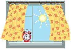 Ηλιόλουστο πρωί, παράθυρο στοκ φωτογραφία με δικαίωμα ελεύθερης χρήσης