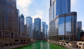 Ημέρα Αγίου Πάτρικ ` s στην πόλη του Σικάγου, πράσινος ποταμός, Ιλλινόις, ΗΠΑ Στοκ Φωτογραφίες