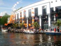 Ημέρα βασιλιάδων ` s, στο παρελθόν ημέρα βασίλισσας ` s, Άμστερνταμ, Ολλανδία, οι Κάτω Χώρες Στοκ Φωτογραφίες
