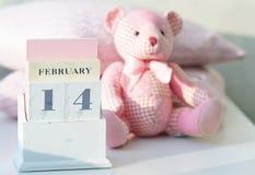 Ημέρα βαλεντίνου στο ημερολόγιο Στοκ Εικόνες