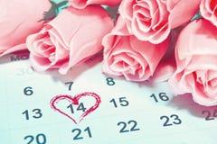 Ημέρα βαλεντίνων, στις 14 Φεβρουαρίου στην ημερολογιακή σελίδα Στοκ Εικόνες