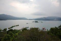 Ημέρα λιμνών φεγγαριών ήλιων στοκ εικόνες