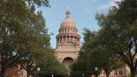 Ημέρα μπροστινής άποψης που καθιερώνει τον πυροβολισμό του θόλου κρατικού Capitol του Τέξας απόθεμα βίντεο