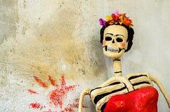 ημέρα νεκρή Catrina στον παλαιό τοίχο Στοκ Φωτογραφία