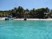 Ημέρα παραλιών στα νησιά Ονδούρα κόλπων Roatan στοκ φωτογραφία με δικαίωμα ελεύθερης χρήσης