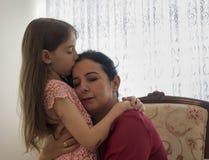 Ημέρα της ευτυχούς μητέρας με τα παιδιά στοκ φωτογραφία