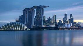 Ημέρα χρονικού σφάλματος στο ηλιοβασίλεμα νύχτας στη Σιγκαπούρη απόθεμα βίντεο
