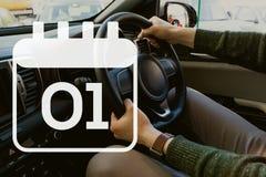 Ημερολογιακό εικονίδιο ενάντια στο άτομο στο αυτοκίνητο Στοκ Εικόνα