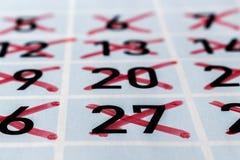 Ημερολογιακή σελίδα ενός προηγούμενου μήνα με τους αριθμούς strikethrough Στοκ φωτογραφίες με δικαίωμα ελεύθερης χρήσης