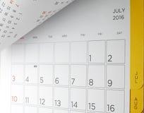 Ημερολόγιο γραφείων με τις ημέρες και τις ημερομηνίες τον Ιούλιο του 2016 Στοκ Εικόνες