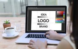 δημιουργικό σκίτσο γραφικό λ σχεδιαστών εμπορικών σημάτων εργασίας δημιουργικότητας σχεδίου Στοκ φωτογραφίες με δικαίωμα ελεύθερης χρήσης