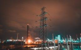 ημισεληνοειδής βροχή νύχτας πόλεων στοκ εικόνα με δικαίωμα ελεύθερης χρήσης