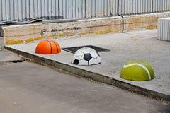 Ημισφαίρια υπό μορφή σφαιρών καλαθοσφαίρισης, ποδοσφαίρου και αντισφαίρισης Στοκ Φωτογραφία