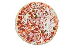 Ημιτελής πίτσα με το τυρί και το ζαμπόν Στοκ Φωτογραφίες