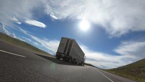 Ημι πέρασμα φορτηγών βοοειδών απόθεμα βίντεο