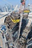 Ηνωμένα Αραβικά Εμιράτα, Ντουμπάι, 05/21/2015, πύργοι Ντουμπάι Damac με το Παραμάουντ, την κατασκευή και την οικοδόμηση Στοκ Εικόνες