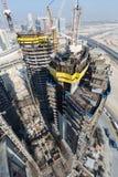 Ηνωμένα Αραβικά Εμιράτα, Ντουμπάι, 05/21/2015, πύργοι Ντουμπάι Damac με το Παραμάουντ, την κατασκευή και την οικοδόμηση Στοκ φωτογραφία με δικαίωμα ελεύθερης χρήσης