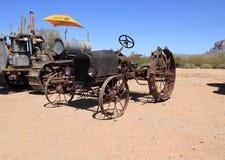 ΗΠΑ: Παλαιό τρακτέρ - Ford Τ με την εξάρτηση μετατροπής θαλάμων του Μοντγκόμερυ (1925) Στοκ Φωτογραφία