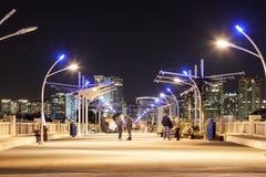Ηπειρωτική γέφυρα λεωφόρων τη νύχτα, Ντάλλας Στοκ Εικόνες