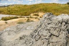 Ηφαίστεια λάσπης γνωστά επίσης ως θόλοι λάσπης στοκ εικόνα