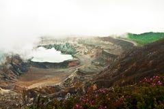 Ηφαίστειο Poas σε μια βαριά σκόνη Στοκ Φωτογραφίες