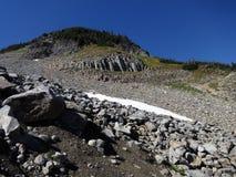 Ηφαιστειακός σχηματισμός βράχου στους βόρειους καταρράκτες στοκ εικόνα