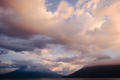 Ηφαιστειακό σύνολο ήλιων Στοκ Εικόνες