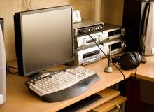 ηχητική εργασία θέσεων εξοπλισμού υπολογιστών στοκ φωτογραφία με δικαίωμα ελεύθερης χρήσης