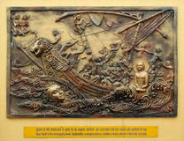 Ηψεκάζω ψυχή η ίδια είναι η ισχυρότερη δύναμη  Το Sudamstra, ένας φίδι-πρίγκηπας, δημιουργεί μια βαριά θύελλα στον ποταμό, αλλά α στοκ εικόνα με δικαίωμα ελεύθερης χρήσης