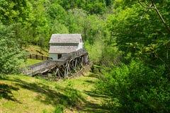 Η άποψη άνοιξη του μύλου †αλέσματος Slone's «εξερευνά το πάρκο, Roanoke, Βιρτζίνια, ΗΠΑ στοκ φωτογραφίες