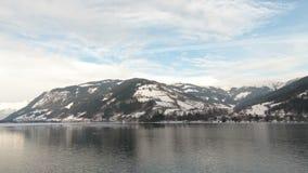 Η άποψη από την αυστριακή πόλη Zell AM βλέπει πέρα από τη λίμνη Zell φιλμ μικρού μήκους