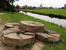η άποψη από τις όχθεις του ποταμού του Ρήνου Στοκ φωτογραφία με δικαίωμα ελεύθερης χρήσης
