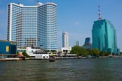 Η άποψη από τον ποταμό Chao Phraya στη Μπανγκόκ Στοκ εικόνα με δικαίωμα ελεύθερης χρήσης