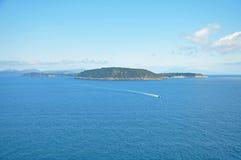 Η άποψη από τους τοίχους του κάστρου Aragonese στο νησί Στοκ εικόνες με δικαίωμα ελεύθερης χρήσης