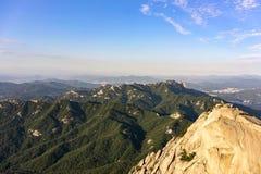 Η άποψη από το βουνό Bukhansan στοκ εικόνα