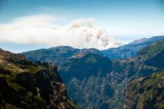Η άποψη από το pico κάνει Arieiro στο πορτογαλικό νησί Madeir Στοκ φωτογραφία με δικαίωμα ελεύθερης χρήσης