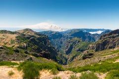 Η άποψη από το pico κάνει Arieiro στο πορτογαλικό νησί Madeir Στοκ Εικόνα