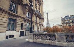 Η άποψη πύργων του Άιφελ από τη λεωφόρο de Camoens στο Παρίσι, φράγκο στοκ εικόνα