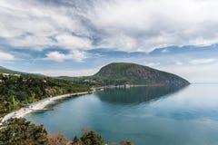 Η άποψη του κόλπου και αντέχει το βουνό Στοκ φωτογραφία με δικαίωμα ελεύθερης χρήσης